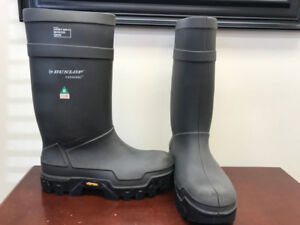 Dunlop boots water proof steel toe size 14