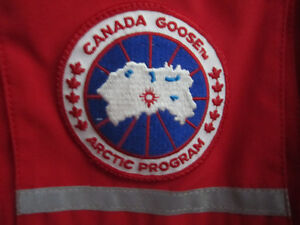Canada Goose' Snow Mantra Jacket - Men's Small - Red