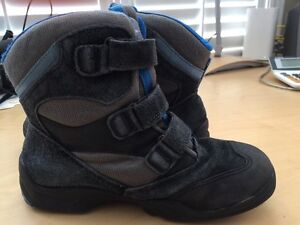 Ecco Xpedition Youth Winter Boots Size 3 (UK 35)