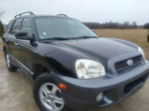 AWD, Santa Fe, only 148,000km, $ 5995.Lather