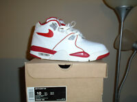 NIKE AIR FLIGHT 89 Size: 10 BRAND NEW IN THE BOX!!