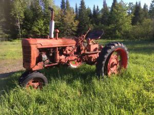 Tracteur farmall C  + Cubcadet