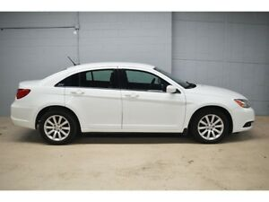 2012 Chrysler 200 TOURING - HEATED FRONT SEATS * ALLOY WHEELS *