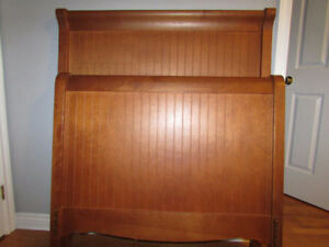 Sleigh Bed - size is Twin