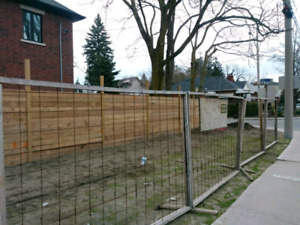 """Free standing construction fencing 64"""" high x 8 ft wide"""