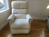 Lazyboy leather recliner - great condition