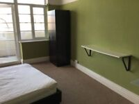 Spacious DOUBLE room in White City (W1)