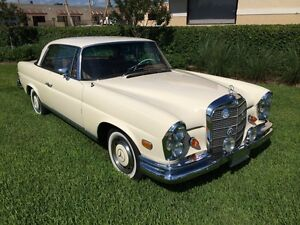 1969-Mercedes-Benz-200-Series