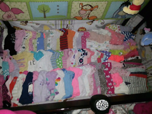 180pc lot of Baby Girl Cloths NOW 80$
