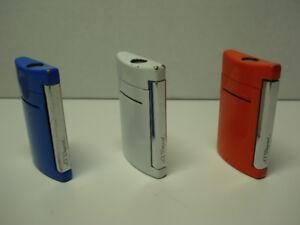 """Briquet ( 3 ) """" S.T. DUPONT """" modèle MINI -JET  ( 75$ chacun )"""