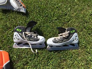 "35"" Reebok pads, trapper and blocker (full goalie set) Strathcona County Edmonton Area image 4"