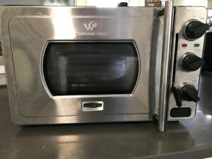 Cook a 14 lb turkey in an hour! Wolfgang Puck  Pressure Oven