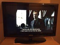 Samsung 32inch LCD HD READY TV + GLASS BLACK STAND