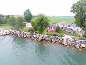 WATERFRONT IN LEAMINGTON - 372-374 EAST BEACH