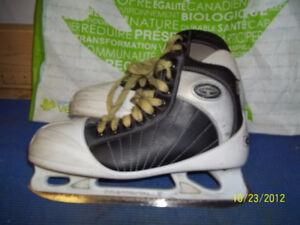 Junior Goalie Skates Size 5 1/2 (CCM Tacks 652)