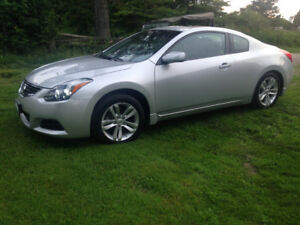 2013 Nissan Altima 2.5 S Coupe (2 door)
