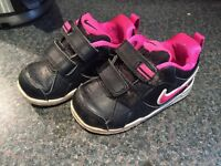 Toddler girls nike trainers size 6