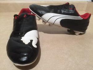 Men's Puma Outdoor Soccer Cleats Size 7 London Ontario image 1
