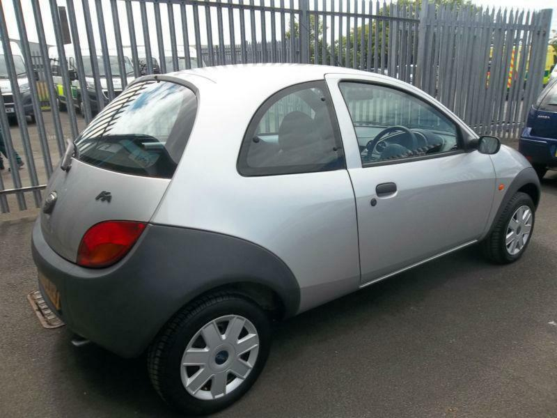 Ford Ka   Hatchback In Silver  Miles Only From New