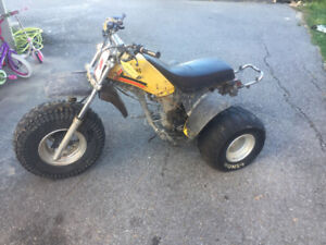 3 roue yamaha 250cc/ fonctionnel Besoin amour 300$