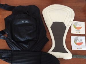 Onya Outback Carrier with infant insert
