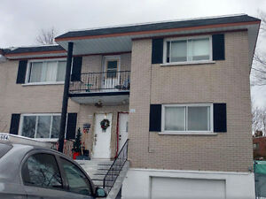 All renovated 5 1/5 at Pierrefonds// 5 1/5 tout renove