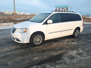 2016 Chrysler Town & Country Touring-L Monthly $470
