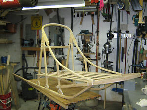 Handcrafted Wooden Dogsleds / Traineaux à chiens artisanaux