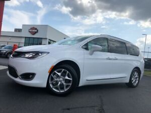 2018 Chrysler Pacifica Touring-L Plus|DUAL DVD & SUNROOF|HEATED