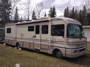 Well maintained motor home 34 feet :