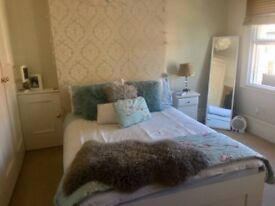 Beautiful bright double bedroom Winchmore Hill N21