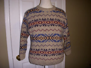 Women Laura Ashiey sweater. size M