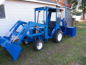 Tracteur Ford 1210