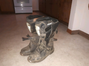 Mens 11 thor riding boots $100