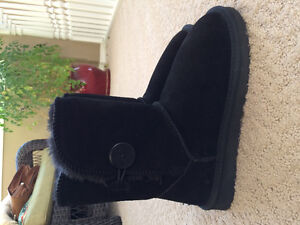 UGG Bailey Boots- New