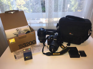 Nikon D3200 with 2 lenses and bag