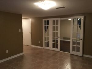 Spacious walk-out 2 Bedroom in Barrie