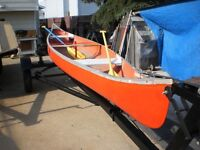 NICE 14 FT CANOE WITH 2 PADDLES---LIGHT WEIGHT