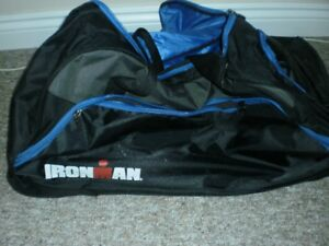 IRON GYM BAG WITH CARRYING HANDLE AND WHEELS