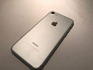 PERFECT CONDITION IPHONE 7 London Ontario image 5