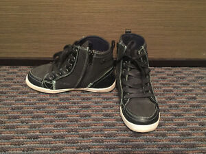 MEXX Boys' Boots, Black, Kid Size 13, EXCELLENT Condition! Edmonton Edmonton Area image 3