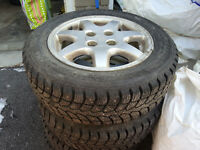 185 60R14 Almost new winter studded tires
