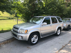 2002 Infiniti QX4 - clean body, well maintained