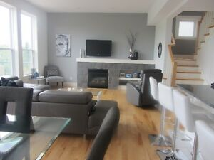 5 Bedroom House on Cul-de-Sac in Bedford West!