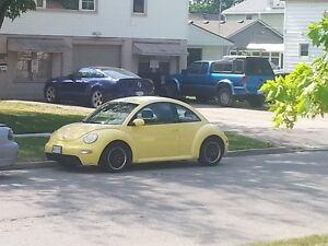 2003 Volkswagen Beetle Coupe (2 door) Windsor Region Ontario image 1