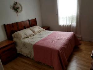 Matelas, base de lit et couvertures