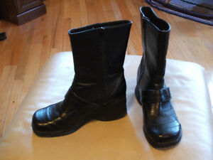 Used ladies shoes, sandals, boots, size 10, $5 each pair Sarnia Sarnia Area image 4