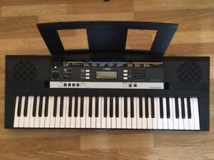 Yamaha keyboard PSR-E243 &Stand & Bench