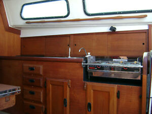 29' Cal  Sail Boat Cruiser must be seen Try your trades. Peterborough Peterborough Area image 4