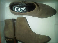 CIRCUS by Sam Edelman - Holt Ankle Bootie in ASH size 6